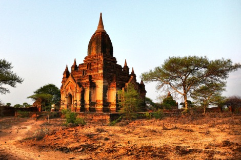ancient-temple-at-bagan